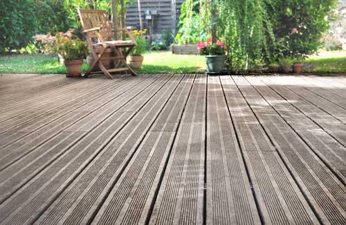 Aménagement du jardin : terrasse en bois