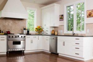 cuisine traditionnelle meuble blanc