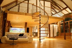 mezzanine avec escalier helicoidal