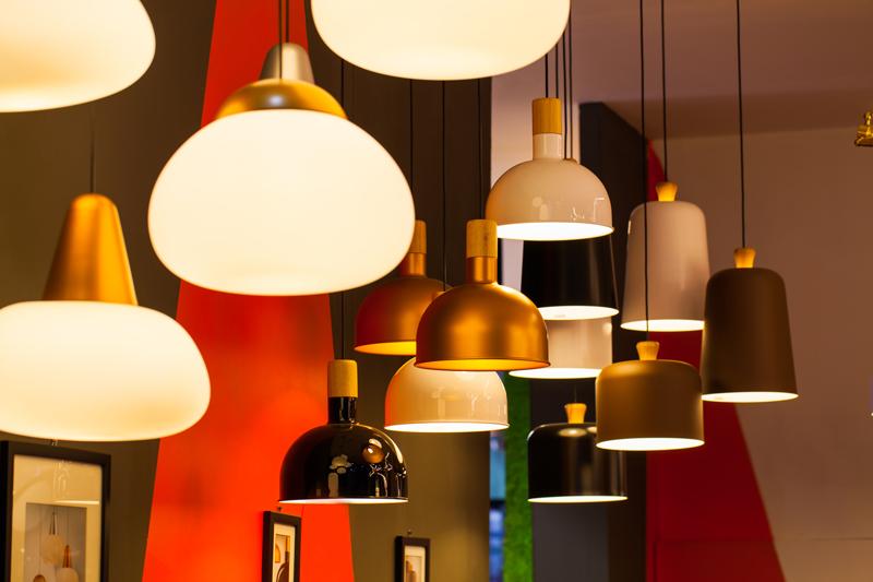 lampe au plafond