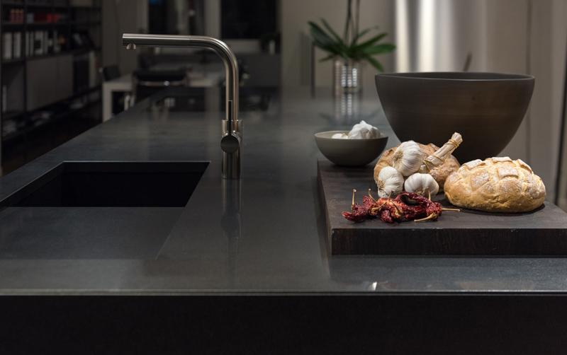 prix d 39 un plan de travail en granit et de son installation. Black Bedroom Furniture Sets. Home Design Ideas