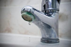 robinet avec calcaire