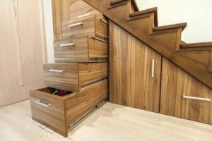 meuble-de-rangement-sous-escalier